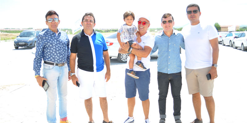 Carvalho Loteamentos realiza evento com passeio de Helicóptero e Show de Jessier Qurino para comemorar sucesso de empreendimento