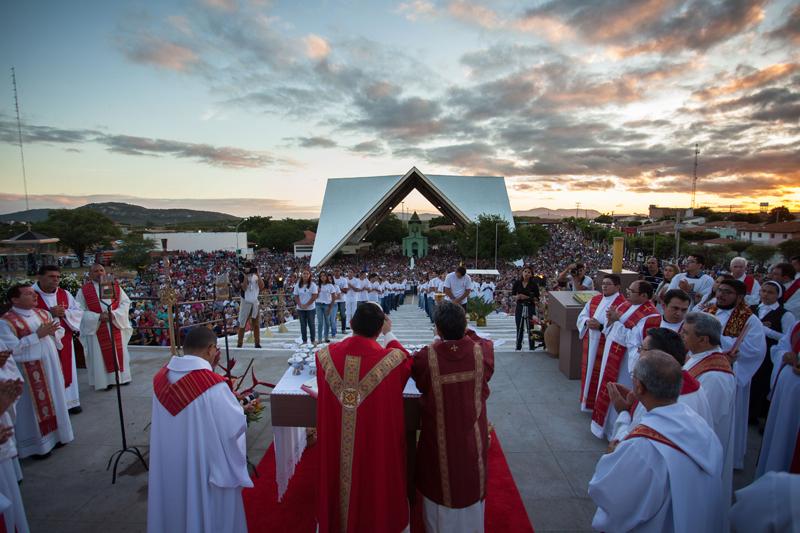 Veja as mais belas imagens da Festa de Pentecostes em Patos