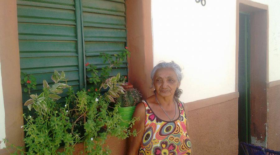 Filha de Zé Limeira, o Poeta do Absurdo, tem 67 anos e vive na cidade de Patos