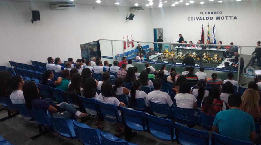 Câmara de Patos aprova projeto que revoga Código Tributário e realiza limpeza de pauta