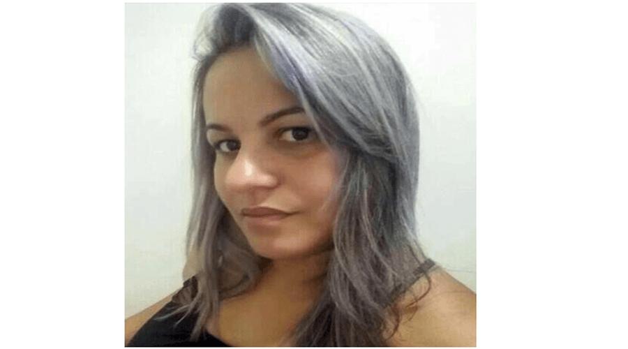Mulher morre ao sofrer choque elétrico após colocar celular para carregar em Pernambuco