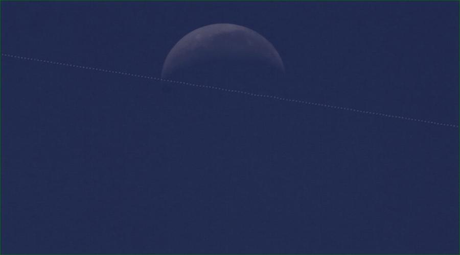 Vídeo: Paraibano registra passagem da Estação Espacial Internacional em frente à Lua