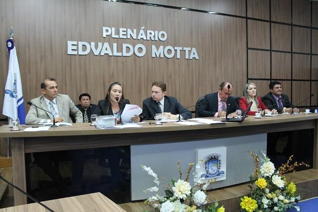 Vereadores aprovam, em primeira votação, projeto que cria Programa de Bolsas de Estudo do município de Patos