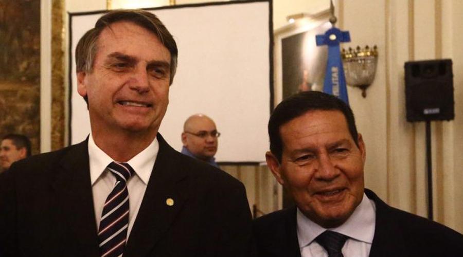 Bolsonaro anuncia general Hamilton Mourão como vice