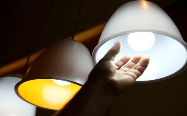 Conta de luz ficará 3,7% mais barata este ano e em 2020 vai baixar mais 1,2%