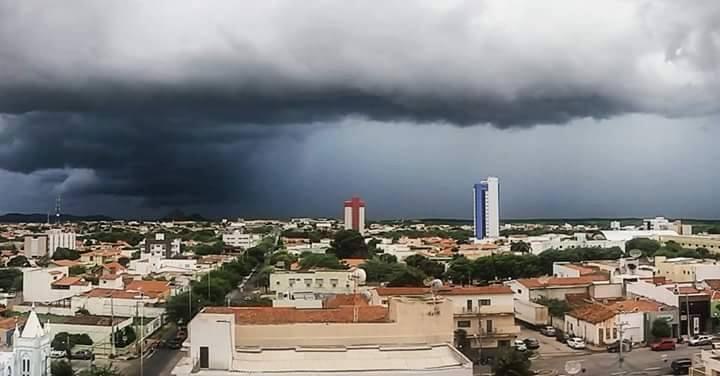 Patos e mais de 200 cidades da Paraíba estão sob alerta de chuvas fortes