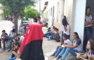 Alunos de ECI em São Mamede se revoltam com problema de energia que há meses acontece na escola