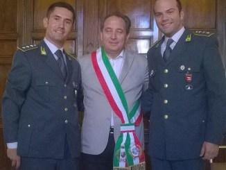 Capitano Finanza Matteo Amoroso ricevuto da sindaco Mismetti