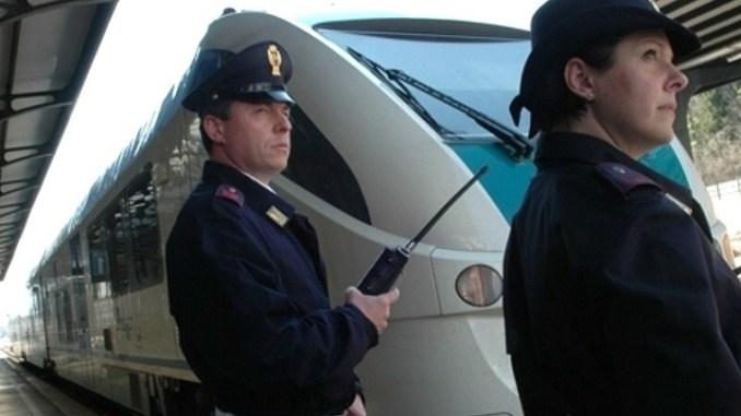 Polfer Foligno, viaggia sul treno senza biglietto e aggredisce capotreno durante controllo