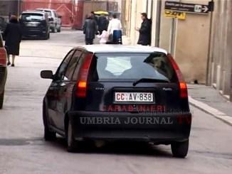 Foligno, ruba al supermercato e aggredisce i dipendenti, arrestato dai Carabinieri