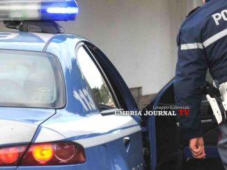 Ricercato, rintracciato ed arrestato dalla polizia in centro a Foligno