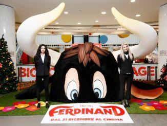 A Milano e a Roma la scultura del toro Ferdinand realizzata dall'artista folignate Stefano Emili