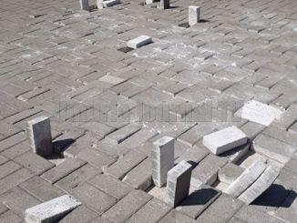 Sampietrini del Piazzale della Pace a Foligno rialzati