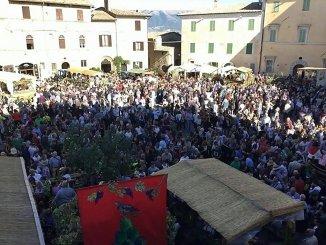 Torna Festa della Vendemmia a Montefalco, musica e sfilata dei carri