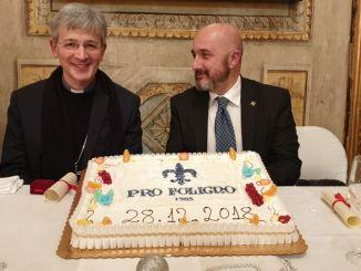 Pro Foligno consegna Giglio d'Oro 2018 al vescovo Gualtiero Sigismondi