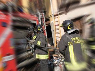 Umbra Cuscinetti a Foligno incendio, subito domato da Vigili del fuoco