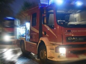 Incendio al campo rom di Sant'Eraclio, due roulotte in fiamme, tutti salvi