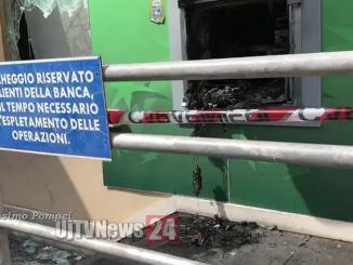 Esplosione nella notte, fanno saltare bancomat della Bnl a Foligno