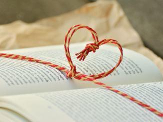 Premio Rosa dell'Umbria ed Athena sfogliando i petali con i giovani scrittori