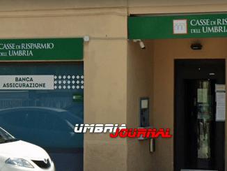 In discussione annunciata chiusura di filiali di Banca Intesa