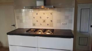 Renovatie en nieuw tegelwerk keuken Midlum Friesland