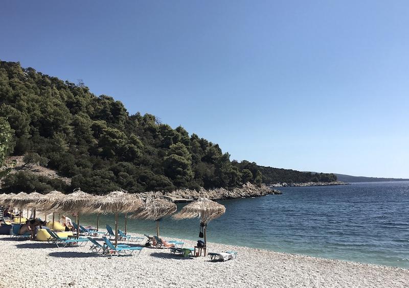 einsamer-strand-alonissos-griechenland