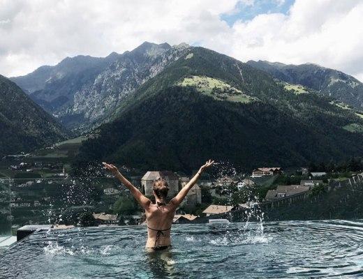 Infinitypool-Bikini-Berge
