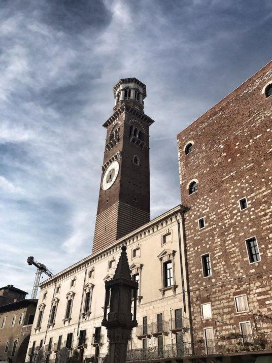 Torre-dei-Lamberti-Piazza-Erbe-Verona-
