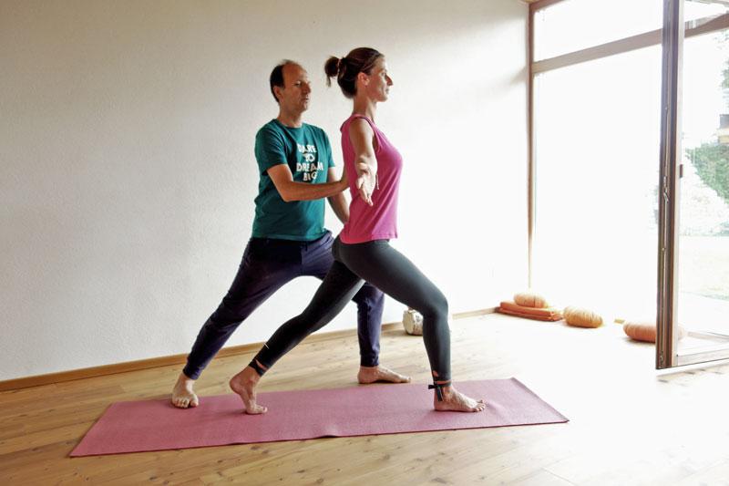 Yogatherapie-mit-Remo-Rittiner