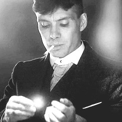 Peaky Blinders Tommy Shelby smoking