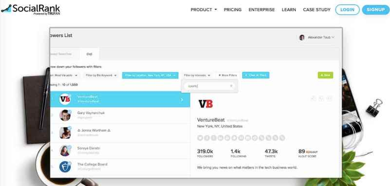 track Twitter followers with SocialRank