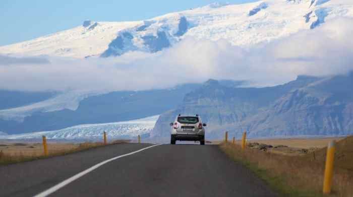 iceland travel tips rent a 2x2 car to save money