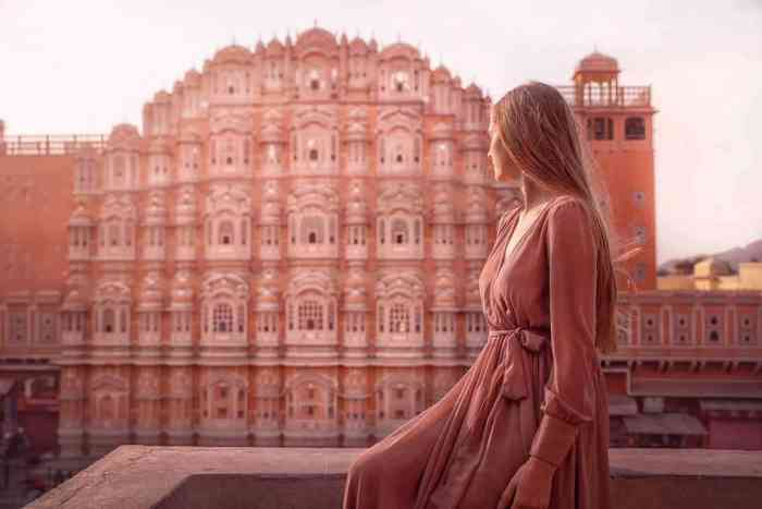 what to wear in india india packing list for women pink building in jaipur