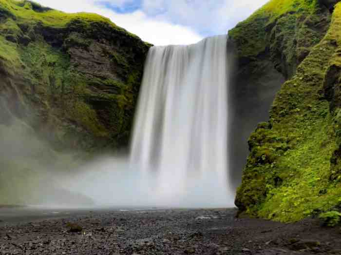 5 Things To Know Before Visiting Iceland In Spring | Skogafoss Waterfall