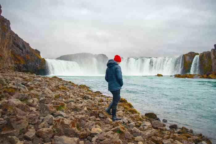 Pack proper clothing when visiting Iceland in Spring | Iceland packing for spring