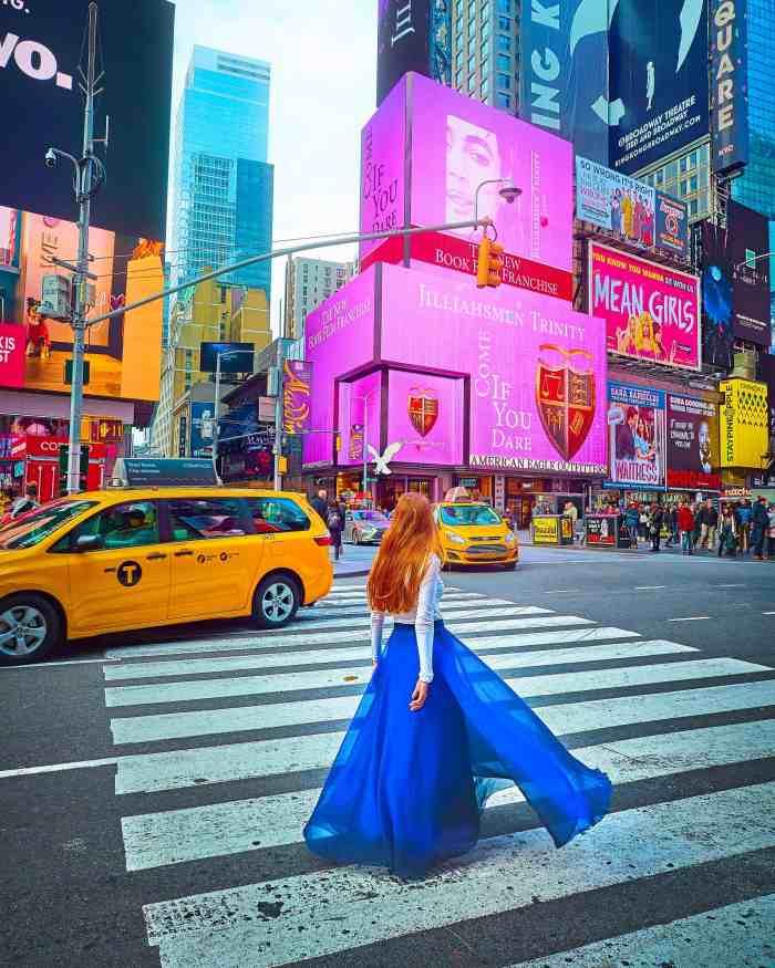 Posing tips for Instagram | travel photo pose ideas