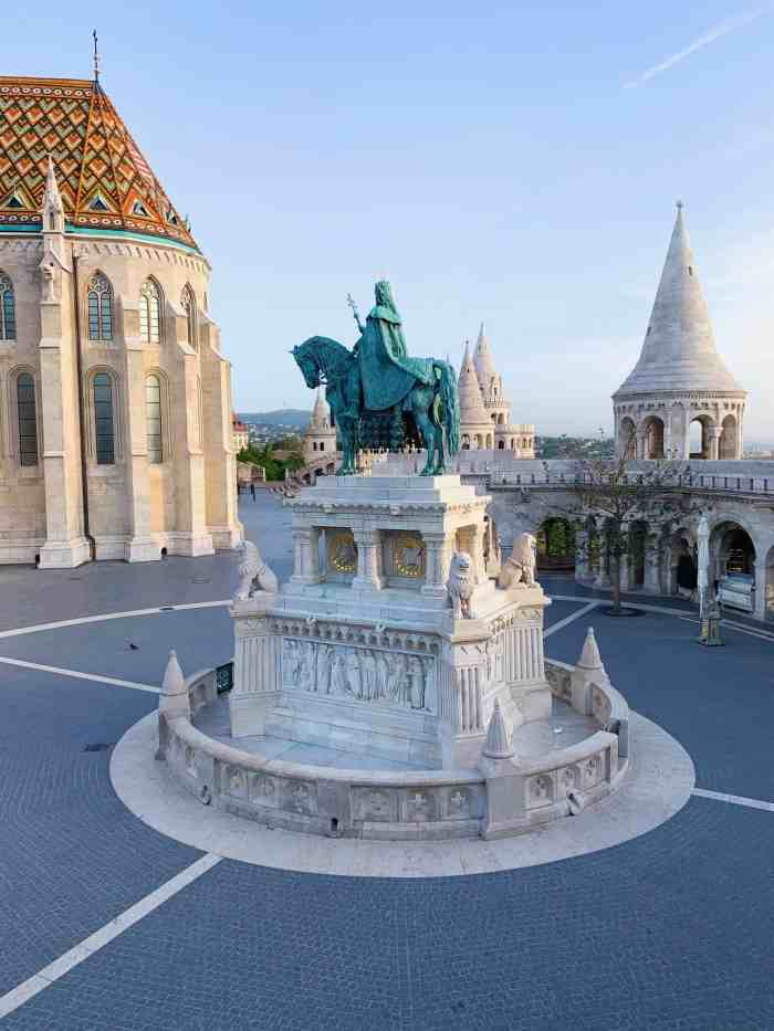 learn about the history of Fisherman's Bastion budapest