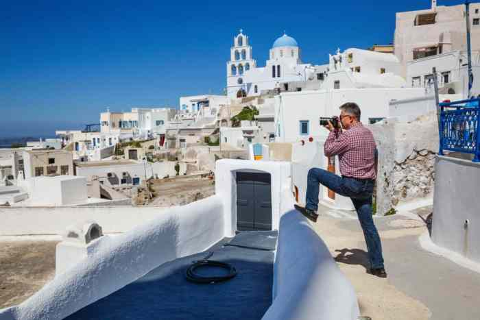 Extra memory cards for your camera is a must add to your Europe Packing List so you can take breathtaking photos like this one of Greece!