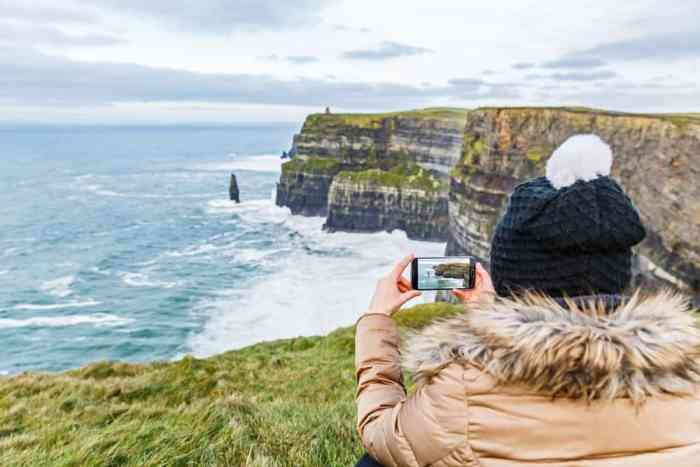 Extra storage for your phone is important so you can capture all beautiful landscapes, like the Cliffs of Mohr in Ireland!