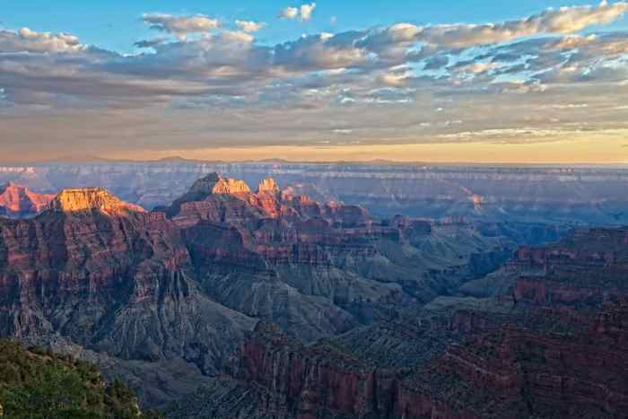 the Transept Trail is one of the best connector Grand Canyon hikes