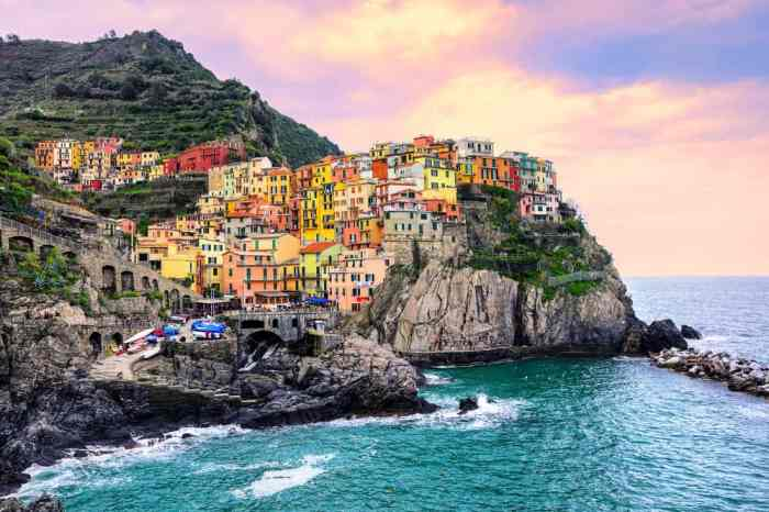 See some beautiful sunsets in Manarola during your 2 weeks in Italy