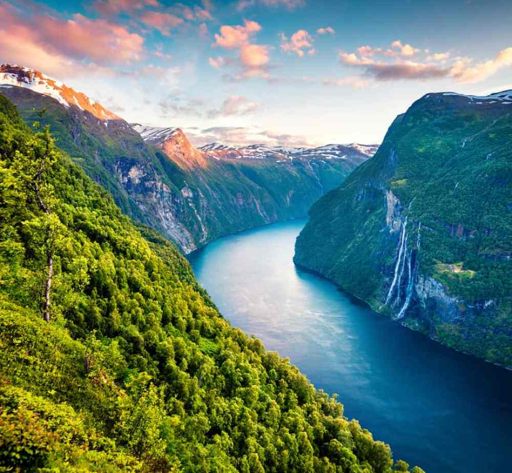 Photo of Geiranger, a Must-See for Your Norway Itinerary