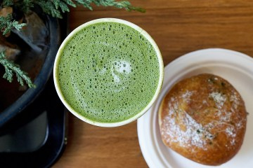 Follow My Gut, FMG, Danielle N. Salmon, foodie, blog, LA food blog, LA Foodie, food blog, restaurant blog, restaurant discovery, eateries, food porn, where to eat in LA, Little Tokyo, Downtown LA, DTLA, Downtown Los Angeles, Midori Matcha, matcha, danish, beignet, weller court
