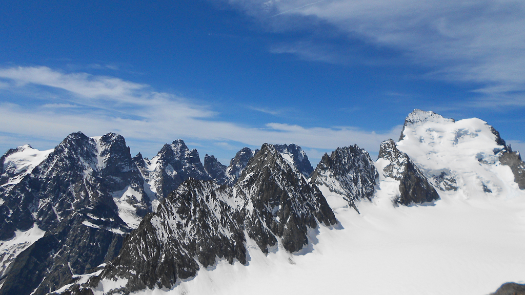 "Featured image for ""Barre des Ecrins 4102m"""