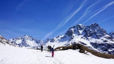 salendo verso il refuge Alpe de Villar d'Arene