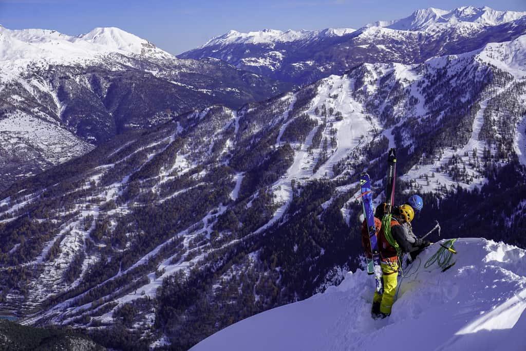 Guglia Rossa in sci per la parete nord