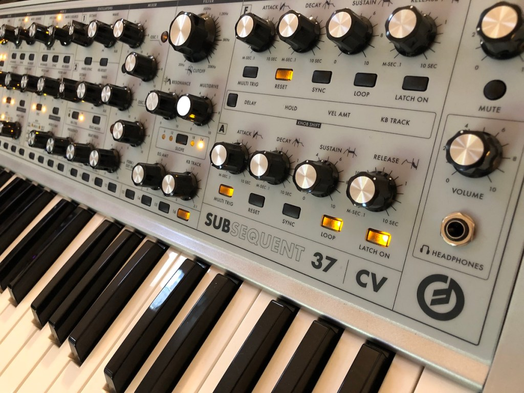 Moog Subsequent 37 CV Limited Edition analoge parafonische synthesizer