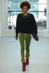 pantalone-verde-con-dettagli-oro-louis-vuitton