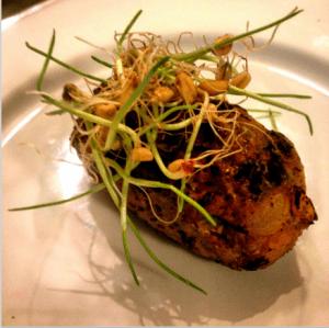 Salchicha de pavo con germinado de lentejas