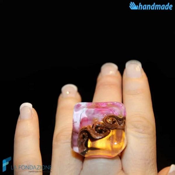 Anello Cubo Tre Vortici Rosa in vetro di Murano - RINGS0079